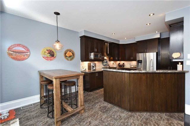 Detached at 21 Bosco Dr, Vaughan, Ontario. Image 18