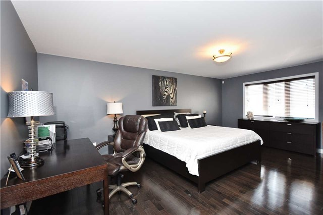 Detached at 21 Bosco Dr, Vaughan, Ontario. Image 19