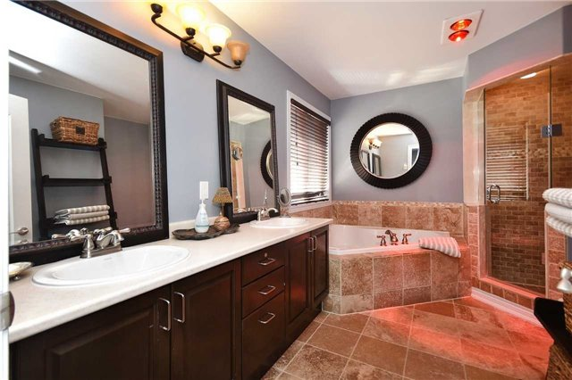 Detached at 21 Bosco Dr, Vaughan, Ontario. Image 20