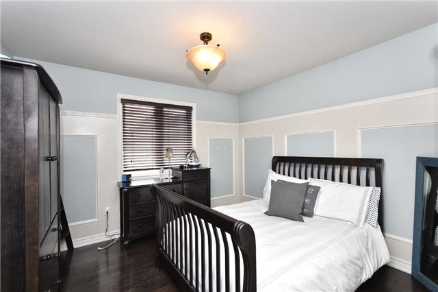 Detached at 21 Bosco Dr, Vaughan, Ontario. Image 4
