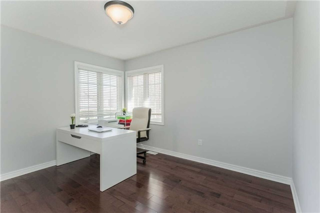 Detached at 79 Acer Cres, Whitchurch-Stouffville, Ontario. Image 4