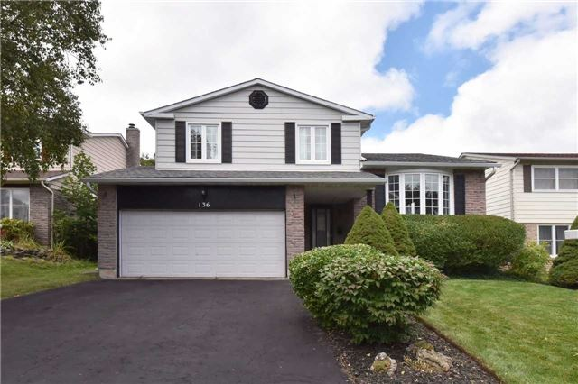 Detached at 136 Lowe Blvd, Newmarket, Ontario. Image 1