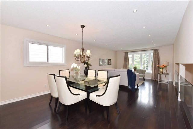 Detached at 136 Lowe Blvd, Newmarket, Ontario. Image 15
