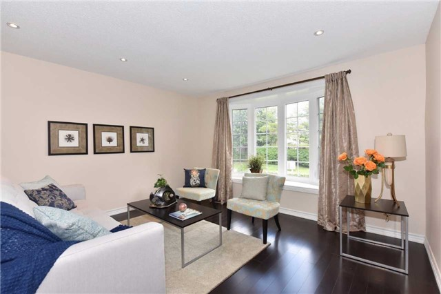 Detached at 136 Lowe Blvd, Newmarket, Ontario. Image 17