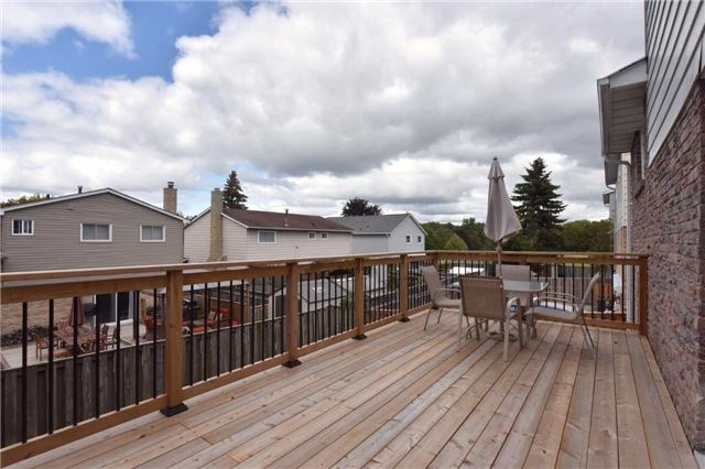 Detached at 136 Lowe Blvd, Newmarket, Ontario. Image 9