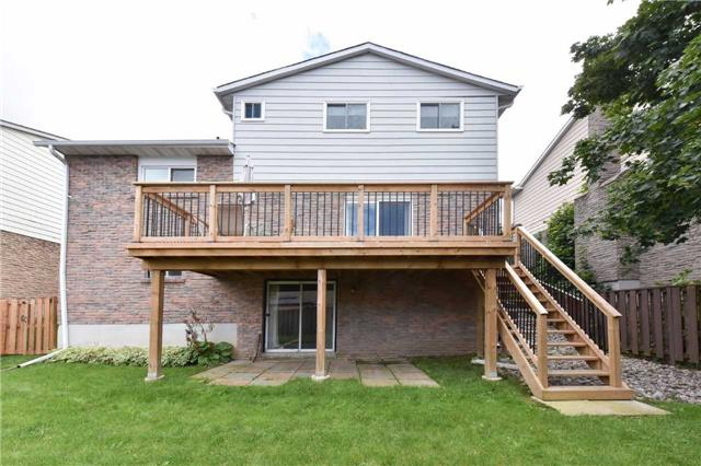 Detached at 136 Lowe Blvd, Newmarket, Ontario. Image 13
