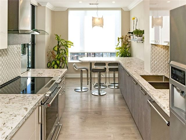Condo Apartment at 350 Red Maple Rd, Unit Ph3, Richmond Hill, Ontario. Image 8
