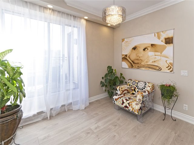 Condo Apartment at 350 Red Maple Rd, Unit Ph3, Richmond Hill, Ontario. Image 10