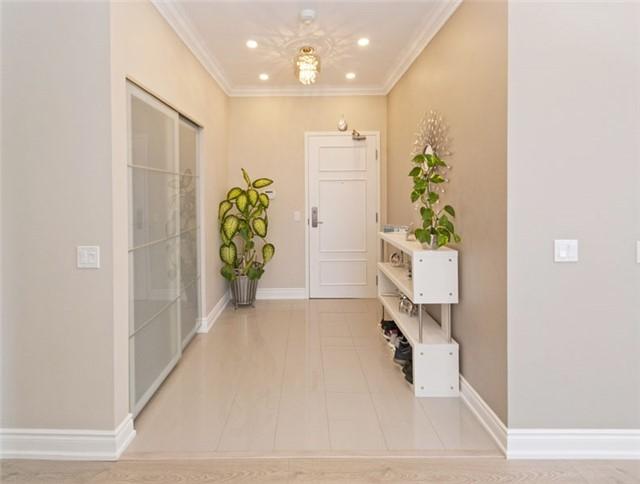 Condo Apartment at 350 Red Maple Rd, Unit Ph3, Richmond Hill, Ontario. Image 11