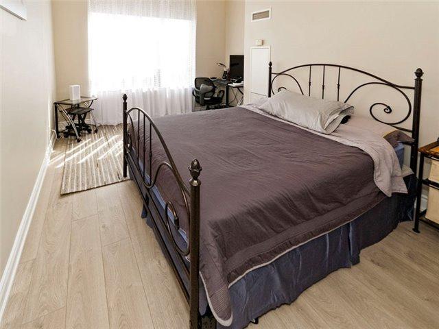 Condo Apartment at 350 Red Maple Rd, Unit Ph3, Richmond Hill, Ontario. Image 14