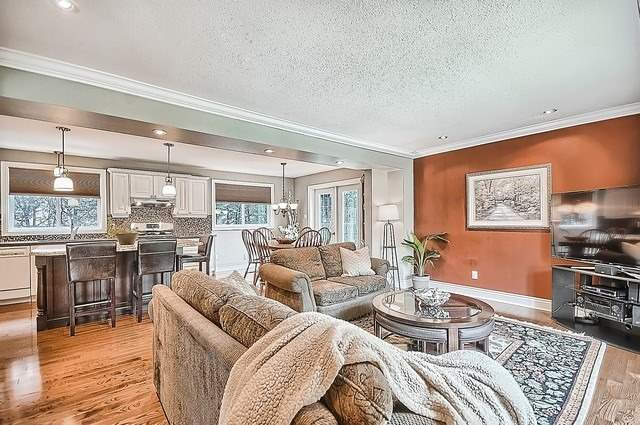 Detached at 528 Elm Rd, Whitchurch-Stouffville, Ontario. Image 14