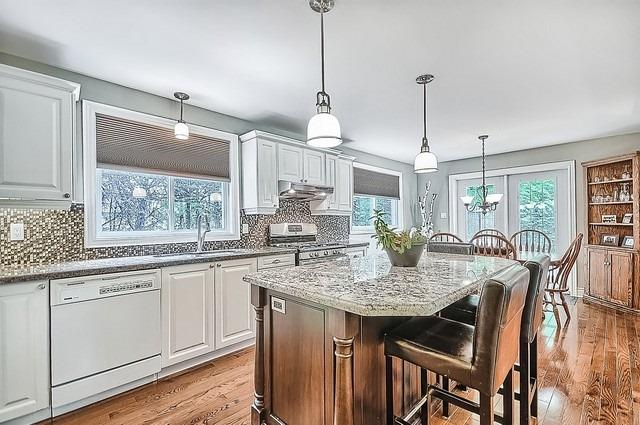 Detached at 528 Elm Rd, Whitchurch-Stouffville, Ontario. Image 18