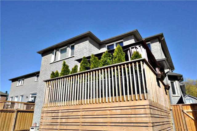 Detached at 1060 Nantyr Dr, Innisfil, Ontario. Image 11