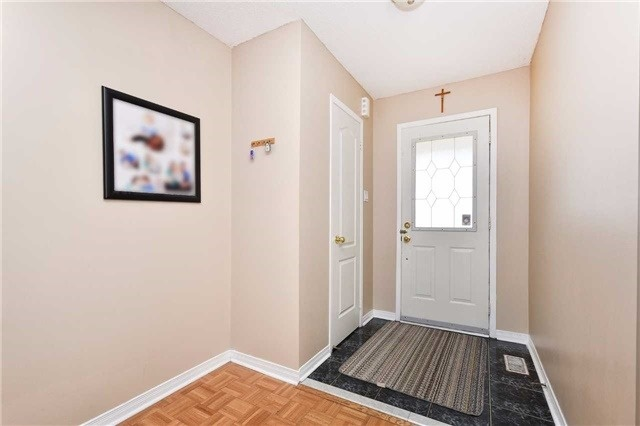 Townhouse at 94 Parktree Dr, Vaughan, Ontario. Image 14