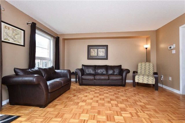 Townhouse at 94 Parktree Dr, Vaughan, Ontario. Image 18