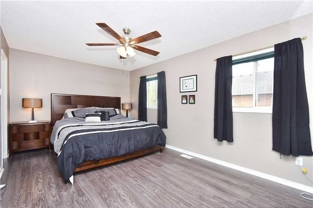 Townhouse at 94 Parktree Dr, Vaughan, Ontario. Image 3