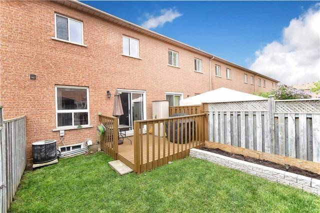 Townhouse at 94 Parktree Dr, Vaughan, Ontario. Image 13