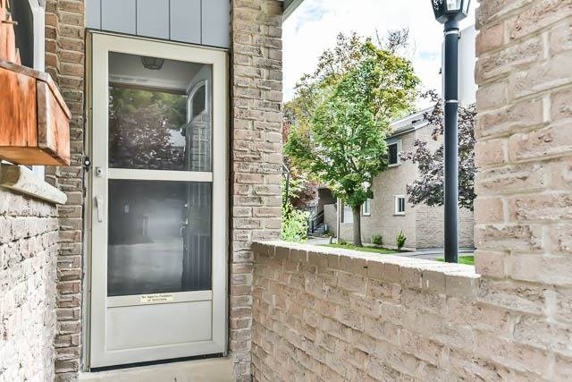 Condo Townhouse at 646 Village Pkwy, Unit 34, Markham, Ontario. Image 12