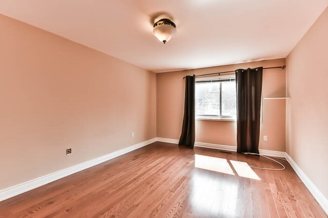 Condo Townhouse at 646 Village Pkwy, Unit 34, Markham, Ontario. Image 20