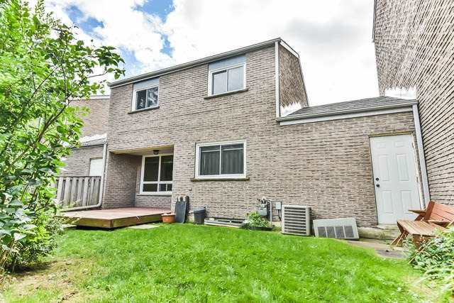 Condo Townhouse at 646 Village Pkwy, Unit 34, Markham, Ontario. Image 13