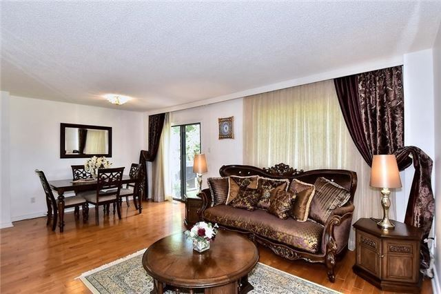 Detached at 54 Misty Moor Dr, Richmond Hill, Ontario. Image 16