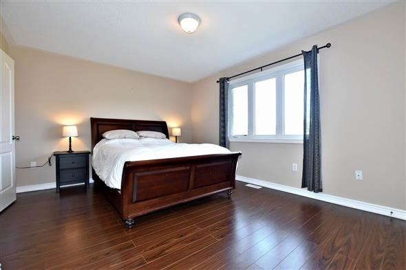 Townhouse at 21 Northwest Passage, Whitchurch-Stouffville, Ontario. Image 12
