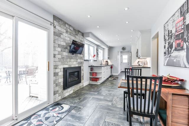 Detached at 35 Squire Bakers Lane, Markham, Ontario. Image 15