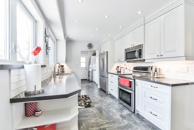 Detached at 35 Squire Bakers Lane, Markham, Ontario. Image 16