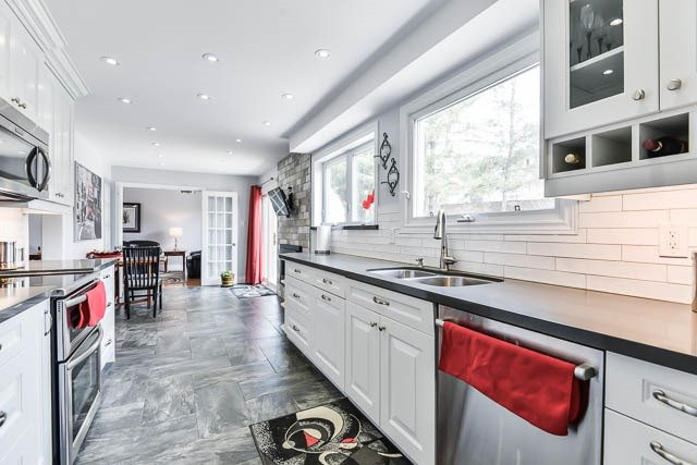 Detached at 35 Squire Bakers Lane, Markham, Ontario. Image 17