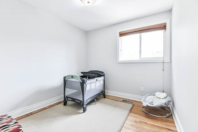 Detached at 35 Squire Bakers Lane, Markham, Ontario. Image 4