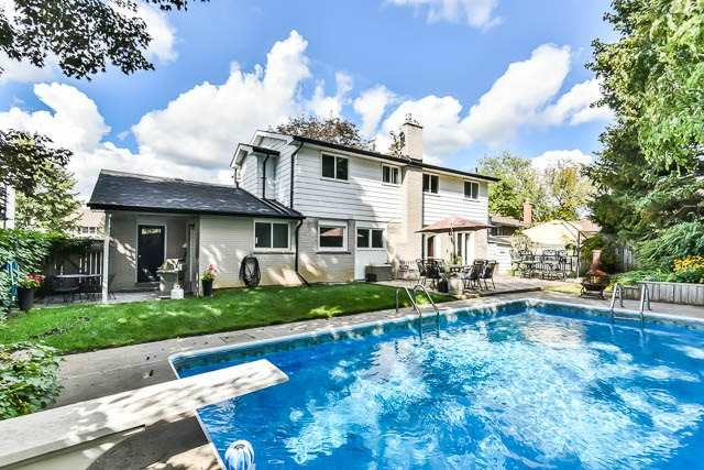 Detached at 35 Squire Bakers Lane, Markham, Ontario. Image 11