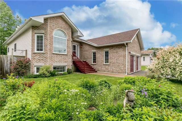 Detached at 1152 Arnold St, Innisfil, Ontario. Image 12