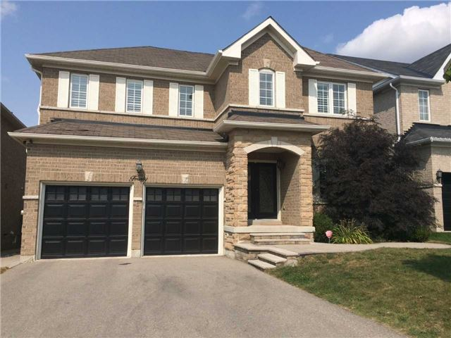 Detached at 40 Mynden Way, Newmarket, Ontario. Image 1