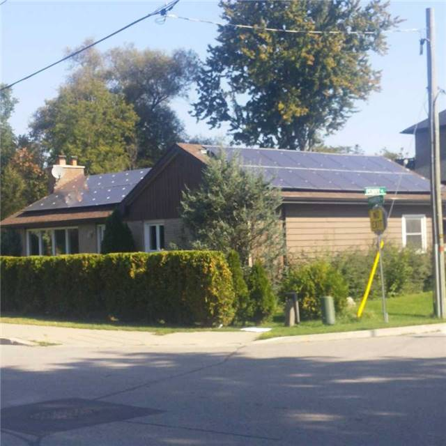 Detached at 13 Parker Ave, Richmond Hill, Ontario. Image 2
