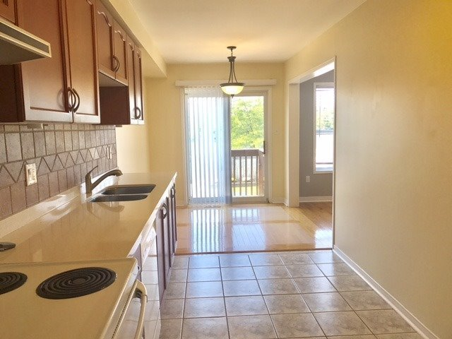 Townhouse at 30 Giancola Cres, Vaughan, Ontario. Image 1