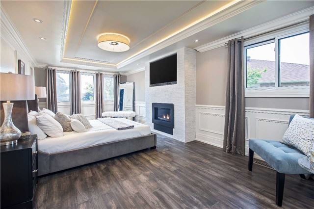 Detached at 81 Forty Second St, Markham, Ontario. Image 3
