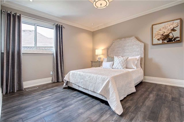 Detached at 81 Forty Second St, Markham, Ontario. Image 5