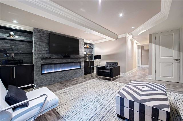 Detached at 81 Forty Second St, Markham, Ontario. Image 8