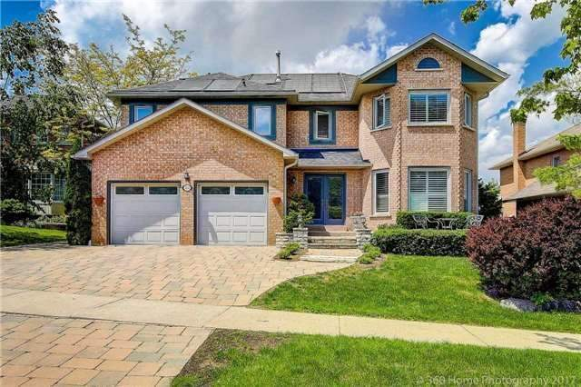 Detached at 114 Timberline Tr, Aurora, Ontario. Image 1