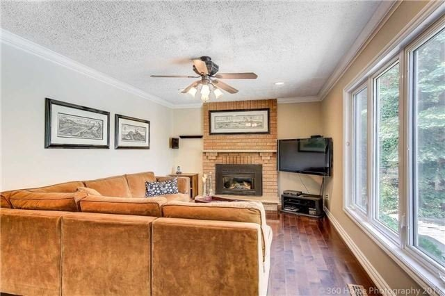 Detached at 114 Timberline Tr, Aurora, Ontario. Image 19