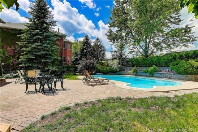 Detached at 114 Timberline Tr, Aurora, Ontario. Image 11