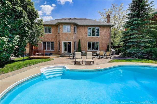 Detached at 114 Timberline Tr, Aurora, Ontario. Image 13