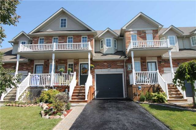 Townhouse at 5 Wallace St, New Tecumseth, Ontario. Image 1