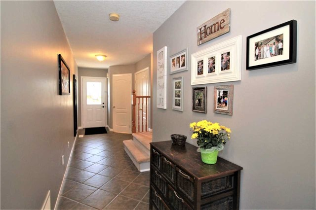 Townhouse at 5 Wallace St, New Tecumseth, Ontario. Image 12