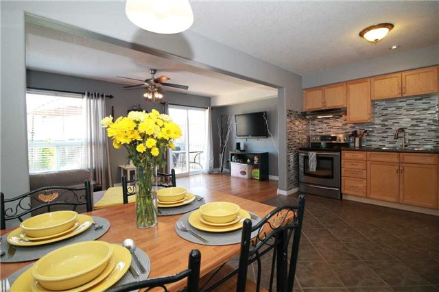 Townhouse at 5 Wallace St, New Tecumseth, Ontario. Image 16