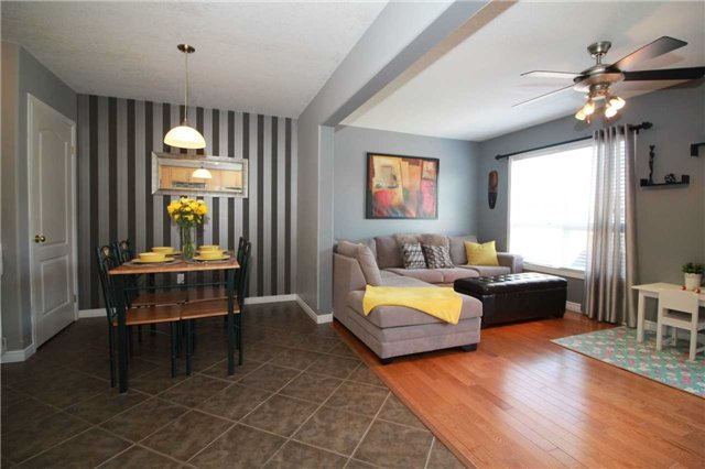 Townhouse at 5 Wallace St, New Tecumseth, Ontario. Image 17