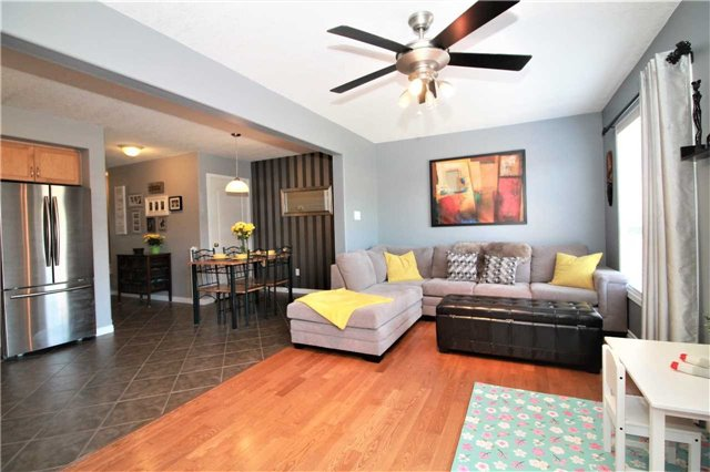 Townhouse at 5 Wallace St, New Tecumseth, Ontario. Image 4