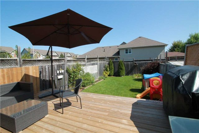 Townhouse at 5 Wallace St, New Tecumseth, Ontario. Image 10
