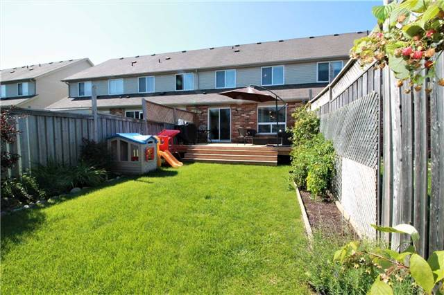 Townhouse at 5 Wallace St, New Tecumseth, Ontario. Image 13