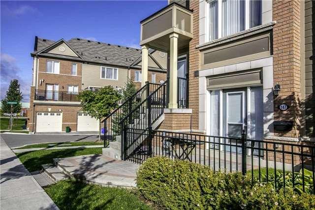 Condo Townhouse at 147 Lewis Honey Dr, Aurora, Ontario. Image 10